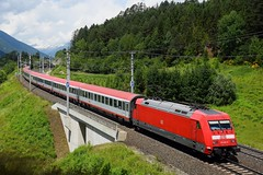 101 001, EC 111 ( München > Klagenfurt ). Pusarnitz (M. Kolenig) Tags: 101 eurocity tauernbahn baum wolken