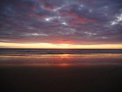 Atardece en Zahara (jantoniojess) Tags: atardecer sunset sun beach sea mar puestadesol ocaso atardecerenlaplaya horizonte clouds nubes panasoniclumixlx100 zaharadelosatunes playa españa spain cádiz