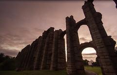 Acueducto de los Milagros (Fernando Two Two) Tags: acueducto aqueduct roman ruins remains antic merida emerita extremadura spain españa acueductodelosmilagros