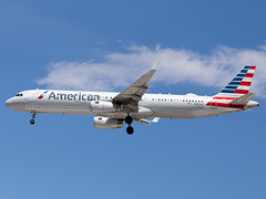 N907AA (ChrischMue) Tags: american airlines airbus a321231wl las vegas mccarran international klas n907aa