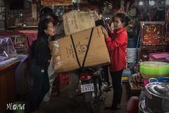 Cambogia - Tira o Molla?!? (iw2ijz) Tags: travel trip viaggio people person persone nikon reflex d500 streetphotography street mercato market cambodia cambogia siemreap psaleimarket
