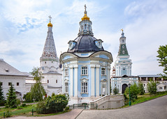 The Trinity Lavra of St. Sergius (Sergiev Posad, Russia) (KonstEv) Tags: church cathedral orthodox russia sergievposad architecture lavra cross religion building dome