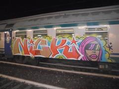 50781432_757891137917839_1428517504312934400_n (en-ri) Tags: uao crew ragazza girl testa head nicki minaj rosa arancioen xviii verde stelline train torino graffiti writing