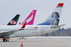 Norwegian Boeing 737-8JP (Derek Mickeloff) Tags: canon 2019 yhm hamilton spotting airliner norwegian boeing 7378jp eifjy