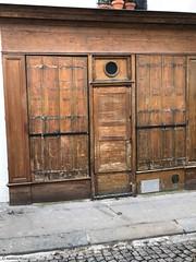porte-devant-bois© (alexandrarougeron) Tags: photo alexandra rougeron porte urbain ville paris rue avenue boulevard