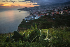 Madeira - Funchal Capital (030mm-photography) Tags: rot madeira funchal reise travel portugal capital hauptstadt landscape landschaft architektur architecture island insel nighthsot nachtaufnahme panorama bluehour blauestunde sunset sonnenuntergang