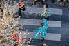128-Passage piétonne (Alain COSTE) Tags: bordeaux carnaval coursvictorhugo déguisement lesgens parkingvictorhugo pointdevue confetti défilé hauteur passagepiéton rue gironde france fr