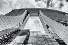 Up to the sky (__Tristan__) Tags: marinabaysands sky bw building architecture