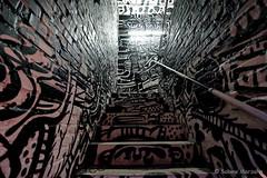Treppe mit Geländer (Sockenhummel) Tags: wandelism wilhelmsaue treppe ausstellung exhibition graffity graphity geänder railing handlauf stair stairway staircase stairwell escaliers architektur stairs stufen steps treppenhaus werkstatt autowerkstatt berlin wilmersdorf fuji xt10 kunst art