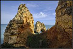 Praia Do Camilo #2 (LilFr38) Tags: lilfr38 fujifilmxpro2 fujifilmfujinonxf1024mmf4rlmois algarve portugal praiadocamilo beach ocean sand wave cliff rock plage océan sable vague rocher falaise