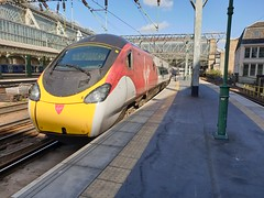 Glasgow Central (DarloRich2009) Tags: virgin virgintrains vt stagecoachgroup stagecoach train class390 pendolino electricmultipleunit emu virginrailgroup 390114 glasgow scotland uk glasgowcentral glaschumheadhain glasgowcentralstation glasgowcentralrailwaystation