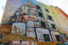 Brainwashing...... the manipulated society (JuliSonne) Tags: streetart urbanekunst mauer wall graffiti colors scene urban pasteup stencil street berlin facade