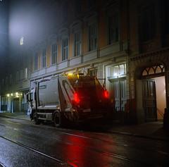 (Benjamin Skanke) Tags: kodak portra400vc yashica mat film analog expired night garbage truck 124g