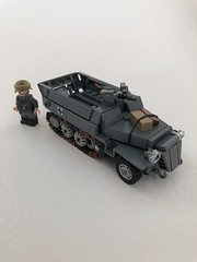 SdkfZ 251 AusF D (LoeLego) Tags: