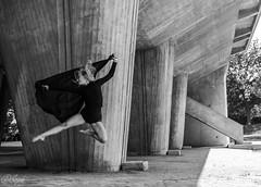 IMG_5216 (aochlesia13) Tags: monochrome contraste nuances dance danse cora lecorbusier marseille chorégraphie saut gracieuse canon eos80d sigma provence beton urban