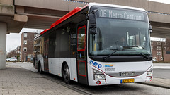 EBS 5074 just arrived at Spijkenisse Metro busstation (Nicky Boogaard) Tags: spijkenisse spijkenissemetrocentrum spijkenissecentrum egged ebs ebs5074 crossway iveco ivecocrossway