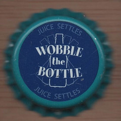 Estados Unidos W (27).jpg (danielcoronas10) Tags: 0000ff am0ps060 bottle crpsn055 dbj030 juice settles wobble