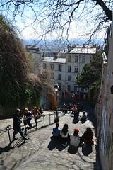 Montmartre quatre à quatre (Jeanne Menjoulet) Tags: montmartre paris escalier rue