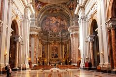 Chiesa di Sant'Ignazio da Loyola in Campo Marzio (Michele Monteleone) Tags: arte roma cielo chiesa basilica italia 2014 navata canon eos40d pittura muro