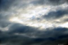 Un piccolo squarcio di sereno (Paolo Bonassin) Tags: clouds nubi wolke sky