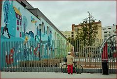 HFF Square (busylvie) Tags: hff fence friday square peinturesmurales ville city netartii