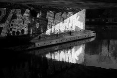 (a.pierre4840) Tags: olympus omd em10 mzuiko 25mm f18 bw blackandwhite monochrome noiretblanc reflection reflections graffiti canal london england decay