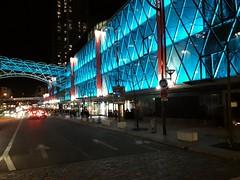 Paris, Grenelle, voir bleu et courir ou mourir (.urbanman.) Tags: beaugrenelle paris façade illumination bleu couleur coloration nocturne