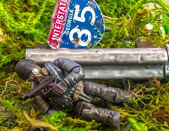 One Bullet Left (bosko's toybox) Tags: minifigures callofduty megablocks megaconstrux