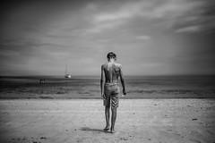Black Brittany (PaxaMik) Tags: brittany bretagne beach îledebatz batz summertime summer grèveblanche portrait portraitnoiretblanc roscoff summerinbrittany back beachpeople ocean atlantique atlanticocean silhouette