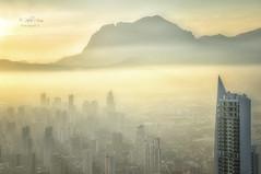 (046/19) Benidorm dorado (Pablo Arias) Tags: pabloarias photoshop ps capturendx españa photomatix nubes cielo arquitectura atardecer ocaso rascacielos edificios benidorm alicante