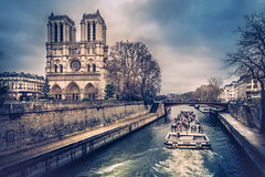 Notre Dame (Ro Cafe) Tags: paris urban city river boat cathedral seine winter nikkor2470f28 sonya7iii
