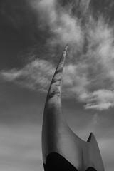"Escultura de Joan Gardy i Artigas davant de seu central de ""la Caixa"", Barcelona. (heraldeixample) Tags: heraldeixample bcn barcelona spain espanya españa spanien catalunya catalonia cataluña catalogne catalogna gardyartigas lacaixa escultura sculpture skulptur scultura скульптура 雕塑 ngc"