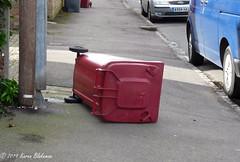 March 7th, 2019 Windy today! (karenblakeman) Tags: caversham uk recylingbin wheeliebin pavement march 2019 2019pad reading berkshire
