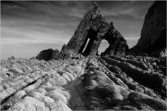 Iconic Rock (Coless66) Tags: hartland northdevon blackchurch rock sunshine seascape iconic smuggling v blackandwhite mouth mill coastal contrasting mind canon7d sony 1020mm 2470mm stacks structure devon tidal natural composition lizcolesphotography le skies monochrome friends beautiful fossil tripod manfrotto leefilters