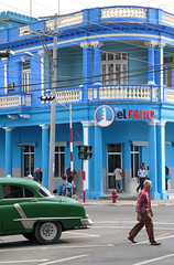 Pinar Del Rio Intersection (peterkelly) Tags: digital canon 6d northamerica cuba cubalibre gadventures pinardelrio blue green car auto automobile oldcar street road intersection man walking building balcony