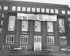 Schulbesetzung_Reher_37 (Klosterschule) Tags: klosterschule hamburg schulbesetzung besetzung schwarzweis blackandwhite history geschichte schulgeschichte historisch school schule 1981 80er 80s