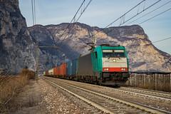 E483 010 DB CARGO ITALIA - MEZZOCORONA (Giovanni Grasso 71) Tags: e483 010 db cargo italia mezzocorona nikon d610 giovanni grasso traxx dc locomotiva elettrica bombardier