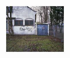 ** (ha*voc) Tags: mamiya7ii 65mm rangefinder film kodakportra400 120 mediumformat 6x7 urban urbandecay urbanentropy haarlem mundane silence
