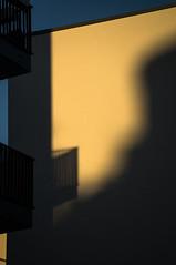20190215-007 (sulamith.sallmann) Tags: architektur balkon bauwerk berlin brunnenviertel bärbelbohleyring deutschland europa gebäude gesundbrunnen haus mitte neubau schatten wedding sulamithsallmann