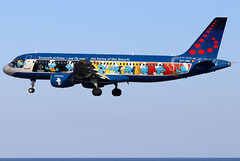 OO-SND (GH@BHD) Tags: oosnd airbus a320 a320200 a320214 sn bel brusselsairlines ace gcrr arrecifeairport lanzarote specialcolours logojet smurfs aerosmurf aircraft aviation airliner