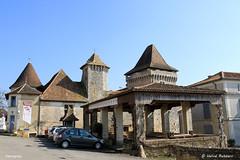 24 Varaignes - Château XV XVI (Herve_R 03) Tags: architecture castle château dordogne france aquitaine