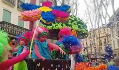 Carnaval... (Isabelle****) Tags: carnaval enfants childrens couleurs colors céret pyrénéesorientales france confettis fleur flower psp