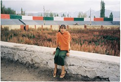 (grousespouse) Tags: ladakh 35mm analog film canonautoboyii sureshot autoboy kodakcolorplus200 portrait colorfilm colourfilm leh kashmir india himalayas vietnamese girl phim dep analogue scanned argentique beauty travel croplab grousespouse 2018