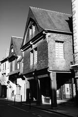 """""""Avoir pignon sur rue"""", Vitré, Bretagne (.urbanman.) Tags: vitré maison ancien pignon ardoise rue bois boissculpté pilier 21"""