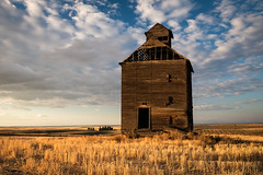 On Golden Fields (NW Vagabond) Tags: grain silo abandoned old harvest eastern washington state 2018 golden hour