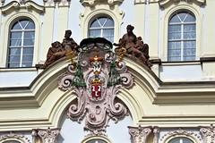 Prager Fassadendetails - 26 (fotomänni) Tags: prag praha prague kunst art reisefotografie statue skulpturen skulptur sculpture manfredweis