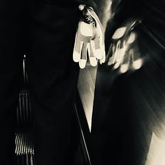 C'est dans la poche... (woltarise) Tags: métro station outremont reflets gants poche passant escalator