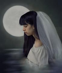Honeymoon (Camilaareinaldo) Tags: nikond5300 50mm18 luna portrait selfportrait agua azul verde ah re interior