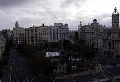 Plaza del Ayuntamiento desde el Ateneo (Vicente RG) Tags: valencia navidad plazadelayuntamiento ateneo k1 pentax