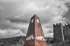 XXX Aniversario del Belén Viviente (lebeauserge.es) Tags: españa madrid buitragodelozoya pueblo castillo monumento cielo nubes blancoynegro